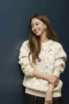 Han Ye Seul, Asian, Sweaters, Actresses, Sweater, Sweatshirts, Pullover Sweaters, Pullover, Shirts
