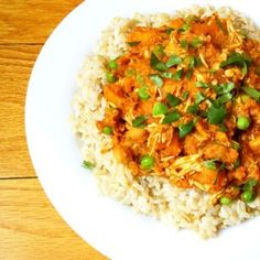Slow Cooker Chicken Curry - The Lemon Bowl. No pre-cooking required. Includes sweet potatoes, coconut milk, curry powder, and tomato sauce. Slow Cooker Chicken Curry, Crock Pot Slow Cooker, Slow Cooker Recipes, Crockpot Recipes, Chicken Recipes, Cooking Recipes, Healthy Recipes, Curry Crockpot, Detox Recipes