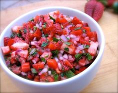 Skinny Fresh Strawberry Salsa  #vegetarian #vegan #0points