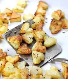 Fun food ideas for Valentine's Day, like these mini-heart potatoes. #bemine