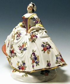 Meissen Figurine Noble Lady Gallant Woman by Kaendler Made 20th Century 2