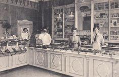 Innenansicht einer Konditorei, um 1903.