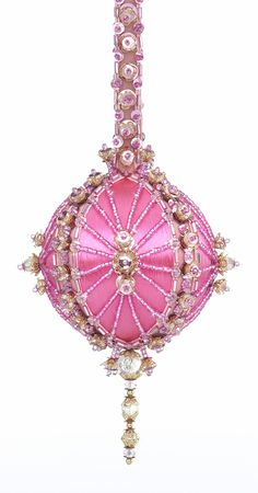 Cracker Box Pink Beaded Christmas Tree Ornament kit, Embraceable. I made this one and I love it!