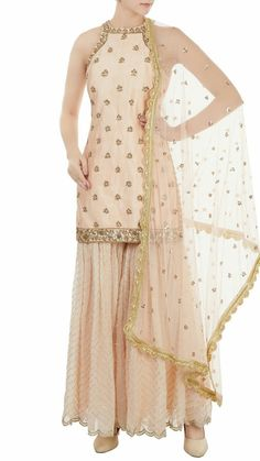 Suit Lehenga Designs, Kurta Designs, Blouse Designs, Pakistani Dresses, Indian Dresses, Indian Outfits, Indian Party Wear, Indian Wear, Elegant Dresses