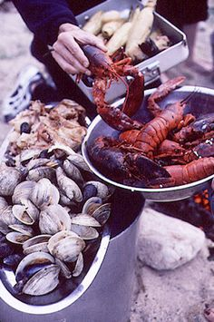 How to Prepare a Lobster Bake – I am soooo doing this one of these days!
