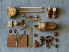cabinet of curiosities. oh lovely. Mocha, Steampunk House, Cabinet Of Curiosities, Curiosity Shop, Modern Cabinets, Color Stories, Natural Brown, Photo Colour, Vintage Industrial