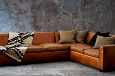 couch leather #pin_it @mundodascasas See more here: www.mundodascasas.com.br
