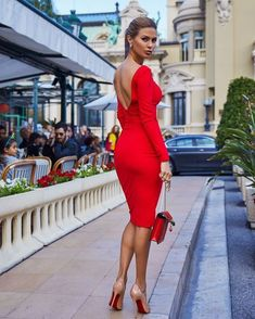 The Effective Pictures We Offer You About REd dress tight A quality picture can tell you many things. You can find the most beautiful pictures that ca Elegant Outfit, Classy Dress, Classy Outfits, Elegant Dresses, Sexy Dresses, Beautiful Dresses, Fashion Dresses, Girls Dresses, Beautiful Legs