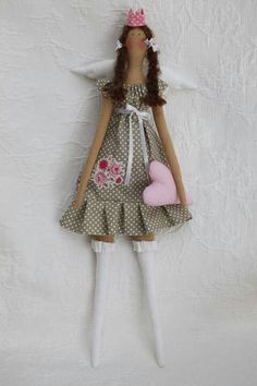 Love her dress Homemade Dolls, Handmade Soft Toys, Princess And The Pea, How To Make Toys, Sock Animals, Little Doll, Doll Maker, Sewing Toys, Soft Dolls