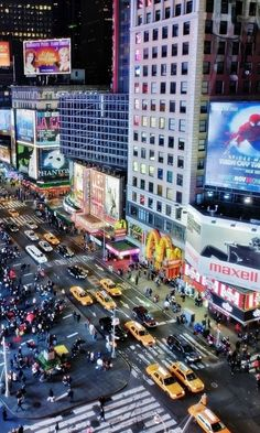 Traffic in New York, United States of America. liveliness, street, building, evening,