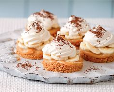 Mary Berry food special: Mini banoffee pies - Recipe Here cx Mini Desserts, Just Desserts, Delicious Desserts, Dessert Recipes, Party Recipes, French Desserts, Birthday Recipes, Tea Recipes, Plated Desserts