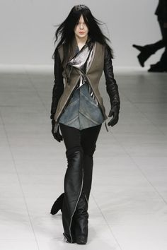 #PFW Rick Owens, FW 2008. Photo: Imax Tree http://www.stylebistro.com/runway/Paris+Fashion+Week+Fall+2008/Rick+Owens/d1wxG7FEnil