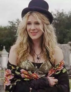 Lily Rabe as Stevie Nicks-inspired Misty Day in season 3 of American Horror Story.