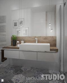 łazienka-jasna-biała-podłoga-wzorzysta-drewno-w-łazience-drewniany-blat-prysznic-płytki-heksagonalne - zdjęcie od MIKOŁAJSKAstudio