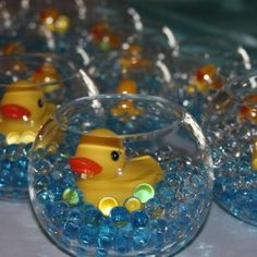 Cute baby shower or party centerpiece. Can do with dollar store stuff. maybe some day in the future for your baby shower :) :) Rubber Ducky Baby Shower, Baby Shower Duck, Baby Shower Gender Reveal, Baby Shower Games, Ducky Baby Showers, Baby Shower Stuff, Rubber Ducky Party, Baby Shower Crafts, Baby Shower Azul