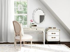 Shabby Chic is a look that's comfortable and inviting, but with a hint of old-world elegance that's evocative of an old English country estate French Farmhouse Decor, Farmhouse Interior, Classic Living Room, Shabby Chic Interiors, Shabby Chic Style, Upholstered Furniture, Rustic Design, Decor Styles, Living Rooms