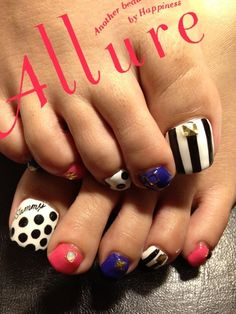 Multi design toe nails I probably wouldnt do them all together like this. But interesting elements. Cute Toe Nails, Get Nails, Fancy Nails, Toe Nail Art, Love Nails, How To Do Nails, Pretty Nails, Pretty Toes, Uñas Diy