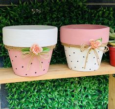 Flower Pot Art, Flower Pot Design, Clay Flower Pots, Flower Pot Crafts, Clay Pot Projects, Clay Pot Crafts, Diy Crafts, Painted Plant Pots, Painted Flower Pots