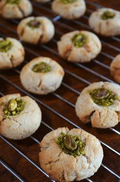 Gormandize: Awb e Dundawn (Heavenly Afghan Pistachio Biscuits!)