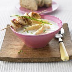 Spargelcremesuppe mit Hähnchen-Sesam-Spießen | Weight Watchers