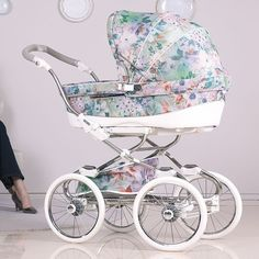 Child Equipment Luxurious stroller Stylo Class Prive 2017 Baby Accessories Supply : Luxus Kinderwagen Stylo Class Prive by petrastrecke Pram Stroller, Baby Strollers, My Baby Girl, Baby Love, Vintage Pram, Prams And Pushchairs, My Bebe, Baby Gadgets, Baby Prams