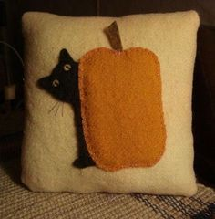 pumpkin kitty pillow