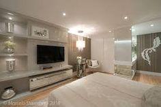 Resultado de imagem para como decorar a cabeceira da cama com espelhos