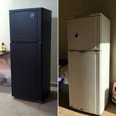 Personalização de geladeira com GoldMax Preto Fosco. Essa geladeira está na…