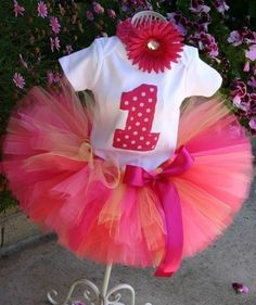 1st Birthday Tutu  need to find one with a Pooh bear theme.  Who knows how to make them?