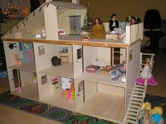 Дом для Барби из фанеры, сделанный своими руками.
