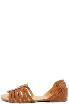 Put some spring in your step in the the Ilana Tan Leather Huarache Flats. Tan genuine leather shapes a woven, two-piece upper with a huarache design and open toe.
