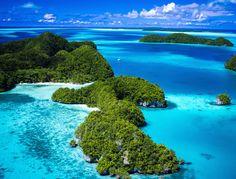 Les adresses de l'été de Vanessa Moody île mer turquoise roche jardin http://www.vogue.fr/voyages/adresses/diaporama/les-adresses-de-lt-de-vanessa-moody/21693#les-adresses-de-lt-de-vanessa-moody-8