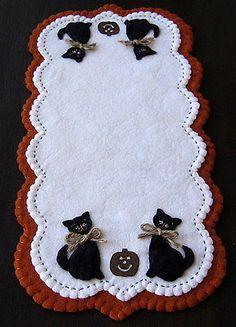 """Spice Cats & Rusty Pumpkins"" ~ Penny Rug Runner ~ Candle Mat ~ Wool Felt Prim"
