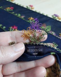 karlı bir düzce'den herkese gunaydinlar❄❄❄🙋♀️ hatice hanımın siparişleri tamamlandı iyi günlerde kullansınlar🙏🙏🙏 #instagram… Crochet Flower Tutorial, Crochet Flowers, Knitted Poncho, Knitted Shawls, Knit Shoes, Good Morning Everyone, Knitting Socks, Hand Embroidery, Needlework