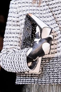 Fall 2013 Accessories Trends: Graphic Gloves