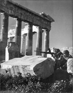 Dmitri Kessel, Brittish paras dug in by the side of the Parthenon. December 1944 the -arguably- Churchill orchestrated civil war has begun. Athens Acropolis, Athens Greece, Parthenon Greece, Paratrooper, Luftwaffe, Iwo Jima, Greek History, Military History, World War Two