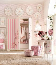 Shabby chic pink...everywhere...
