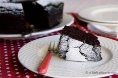 Torta+light+al+cioccolato+(senza+burro+latte+uova+lievito)+con+ingrediente+segreto