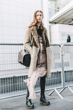 PFW-Paris_Fashion_Week_Fall_2016-Street_Style-Collage_Vintage-Model-Balenciaga-1: