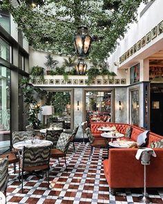 31 Best Decorative Home Luxury - Room Dekor 2021 Decoration Design, Deco Design, Cafe Design, House Design, Design Design, Patio Interior, Restaurant Interior Design, Vintage Restaurant Design, Cafe Interior Vintage