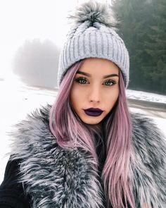 "7,201 aprecieri, 22 comentarii - Carmen Grebenisan (@grebenisancarmen) pe Instagram: ""Hey, fetelor! Mai aveti timp si astazi pana la ora 00:00 sa va inscrieti in giveaway'ul al carui…"" Oras, Winter Hats, Beautiful Women, Instagram, Wall, Sweaters, Fashion, Moda, Fashion Styles"