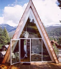 Save this to discover the best tiny homes on Instagram for major tiny living inspiration.