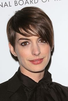 5 Ways To Style A Pixie Haircut, As Worn By Anne Hathaway, Halle Berry And More Stars (PHOTOS)