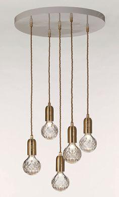 Crystal Bulb-lysekrone af Lee Broom, 8.869 kr. (Nest).