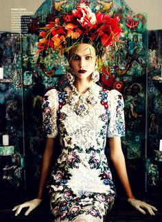 curtains/floral garlands/statement necklaces