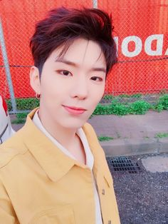 "[#KIHYUN] Through a good opportunity, I was able to sing OST again!!! Thanks to Monbebes' love and support!!! Please listen to it a lot!! #SuspiciousPartner #GottenAttachedToYou ""translated by..."