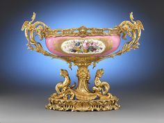 Sévres Porcelain (France) — Center Bowl ~~~~I think this is the most beautiful Sevres I have seen & I have traveled the world Vases, Urn Vase, Pottery Lessons, Decoupage, China Patterns, Antique China, Do It Yourself Home, China Porcelain, Rococo