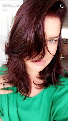 Fernanda Souza de Cabelo novo. Essa cor eh a Vinho Marsala da Niely  (Jan/2017)