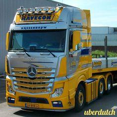 #holland#netherlands#truck#trucks#v8#truckporn#wheels#likes#follow#followme#photooftheday#picoftheday#followiflike#trucklove#vrachtwagen#chauffeur#stiholt#waalhaven#rotterdam#mooispul#goinstyle#goingstyle#scania#daf#volvo#man#trucker#sweden#art#style