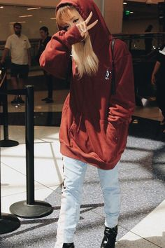 •Ariana Grande•
